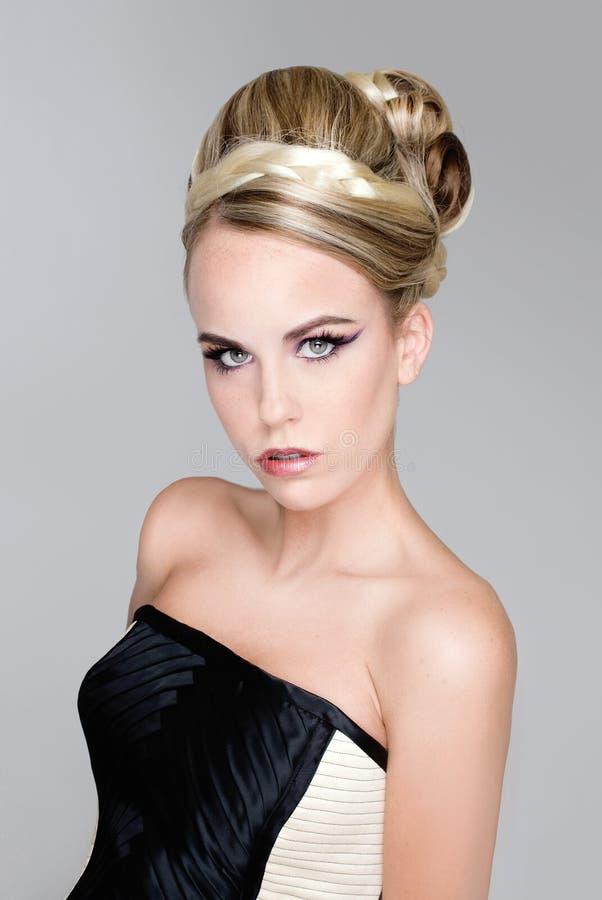 Modelo do cabelo da forma do salão de beleza fotos de stock