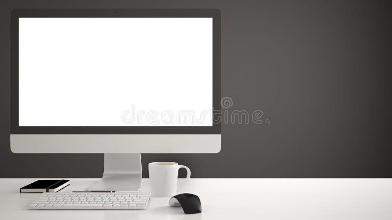 Modelo do Desktop, molde, computador na mesa do trabalho com tela vazia, rato do teclado e bloco de notas com as penas e os lápis fotografia de stock
