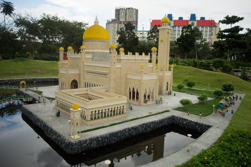Modelo do lego da mesquita de Sultan Omar Ali Saifuddin imagem de stock