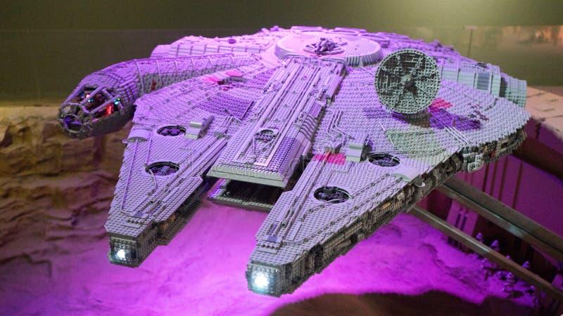 Modelo do lego do falcão de Star Wars Millenniun imagem de stock royalty free