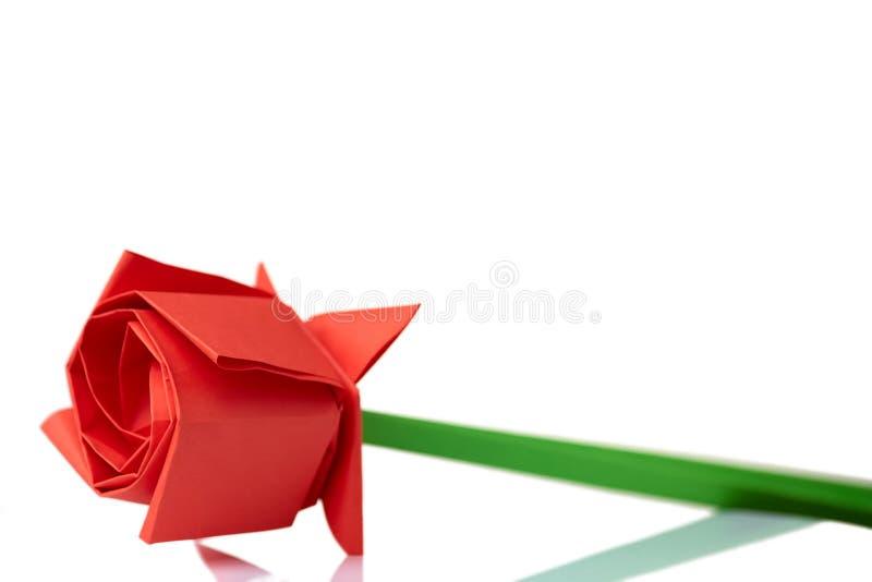 Modelo do origâmi da rosa do vermelho fotografia de stock