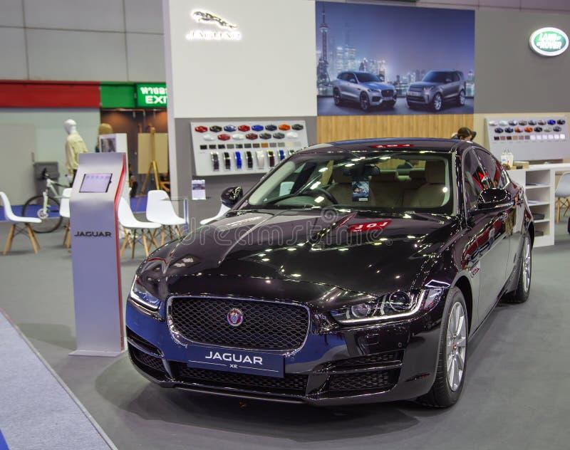 Modelo do sedan XE de Jaguar fotos de stock royalty free