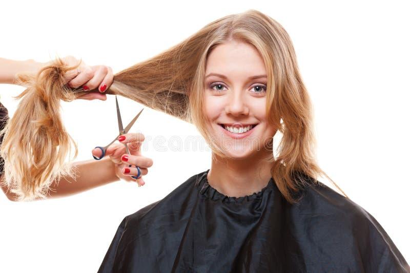 Modelo do smiley no salão de beleza do hairdressing fotos de stock