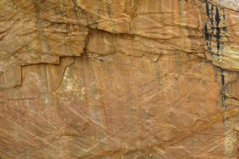 Modelo en las rocas australianas fotos de archivo libres de regalías