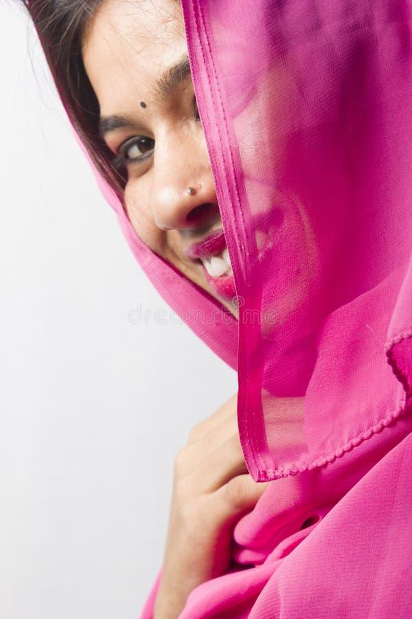 Modelo femenino indio en mirada india rural imágenes de archivo libres de regalías