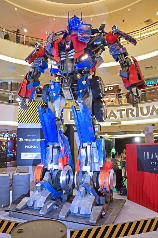 Modelo gigante de la prima de Optimus de los transformadores foto de archivo