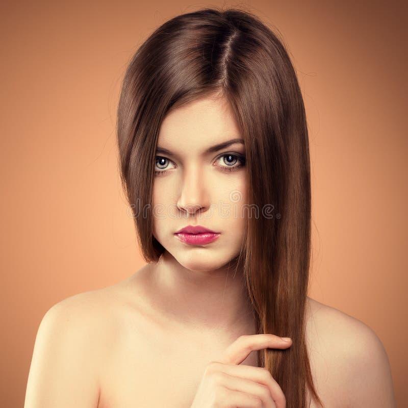 Modelo longo do cabelo foto de stock