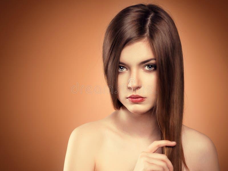 Modelo longo do cabelo fotografia de stock