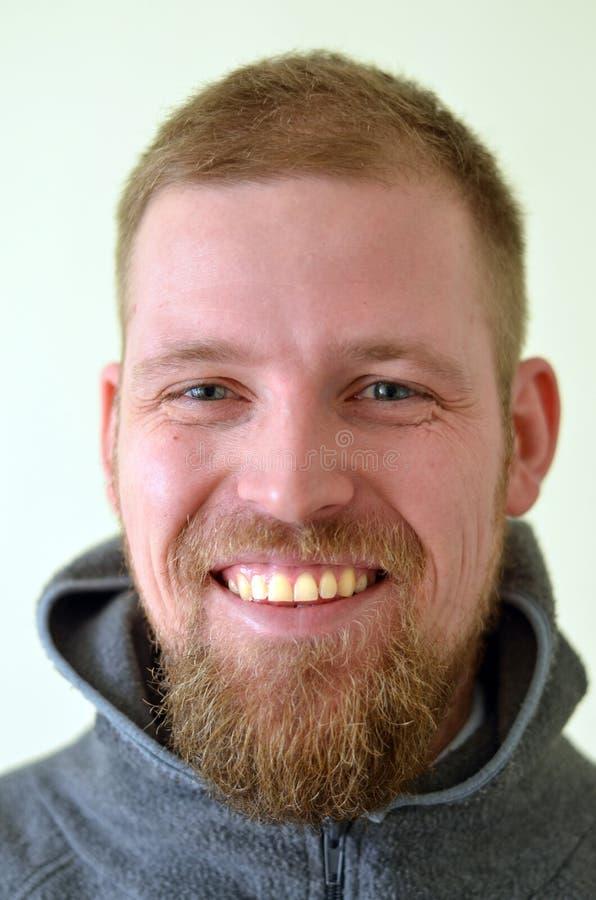 Modelo masculino com uma barba fotografia de stock