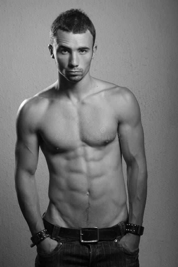 Modelo masculino descamisado fotografia de stock royalty free