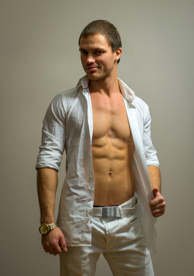 Modelo masculino muscular fotos de stock royalty free
