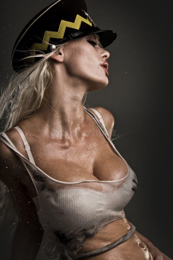Modelo molhado 'sexy' foto de stock