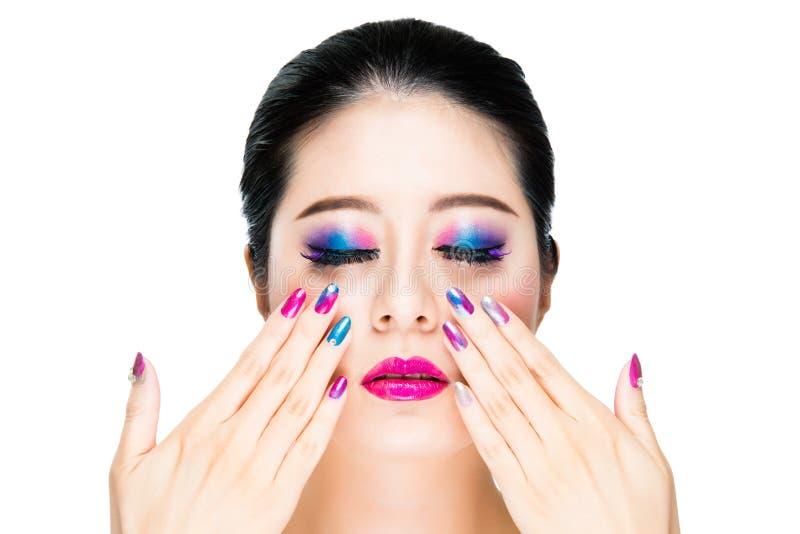 Modelo moreno de moda asiático de la señora del pelo imagen de archivo libre de regalías