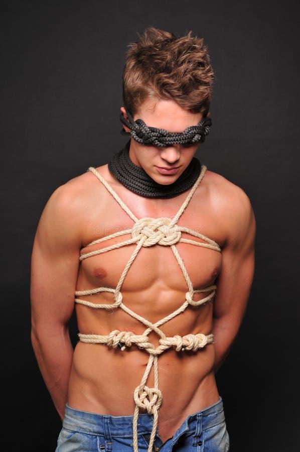 Modelo nas cordas fotografia de stock