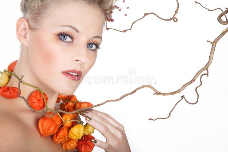 Modelo no estilo do outono imagens de stock