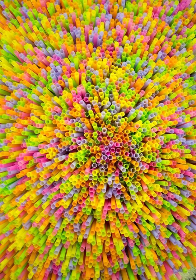 Modelo plástico colorido del fondo de la paja fotografía de archivo libre de regalías