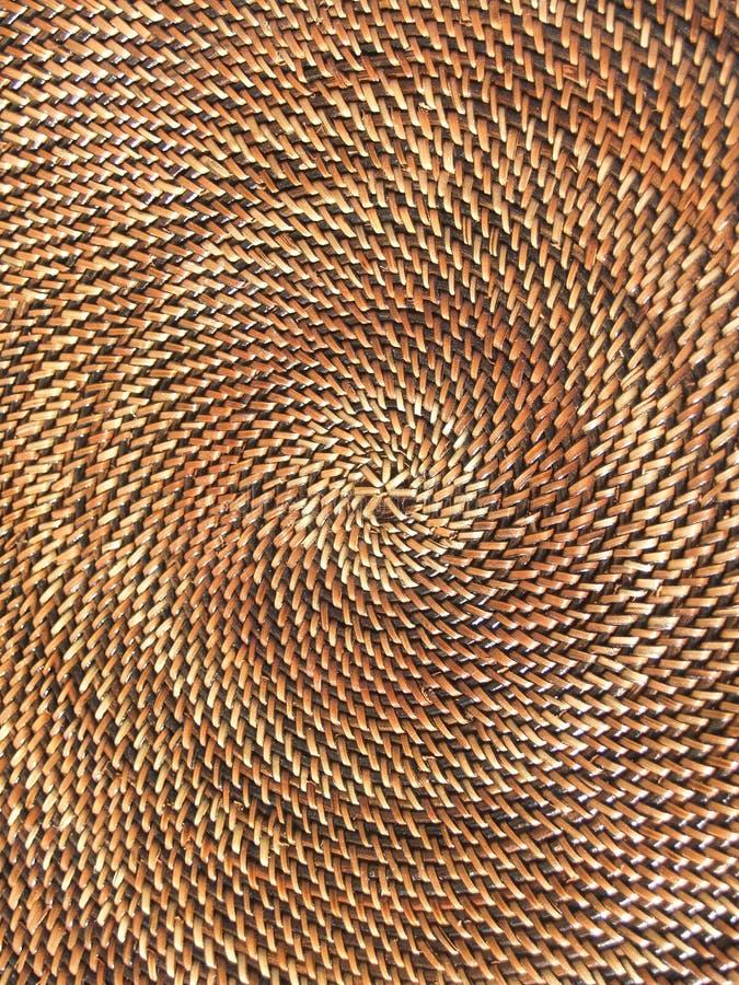 Modelo redondo, cesta tejida foto de archivo