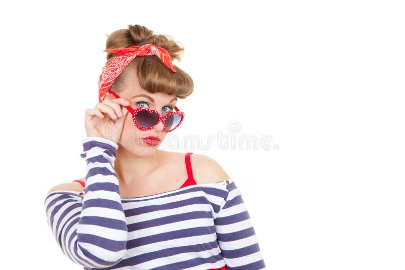 Modelo retro con las gafas de sol fotos de archivo