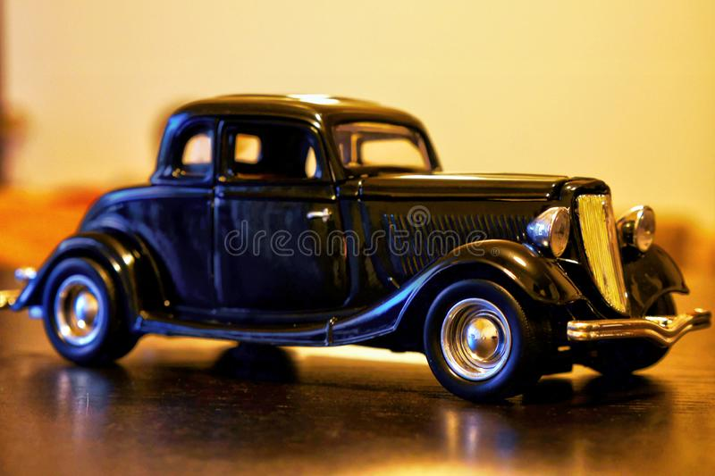 Modelo 1934 retro do carro do Oldtimer de Ford Coupe fotos de stock royalty free