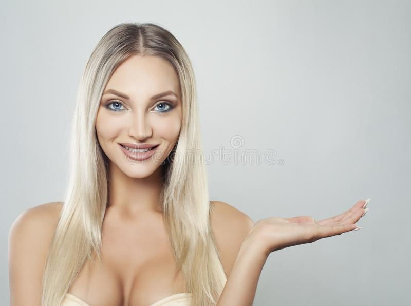 Modelo saudável Woman Portrait dos termas Tratamento facial fotos de stock