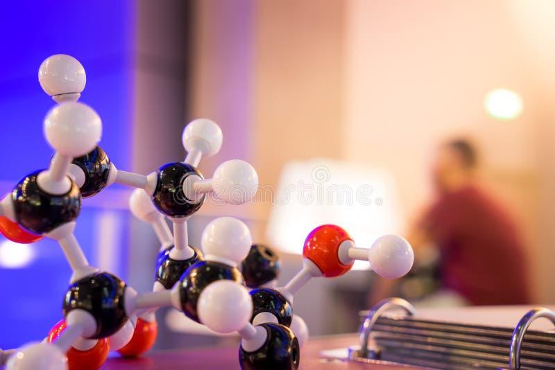 Modelo Structure do ADN da molécula da ciência, conceito dos trabalhos de equipa do negócio imagens de stock royalty free