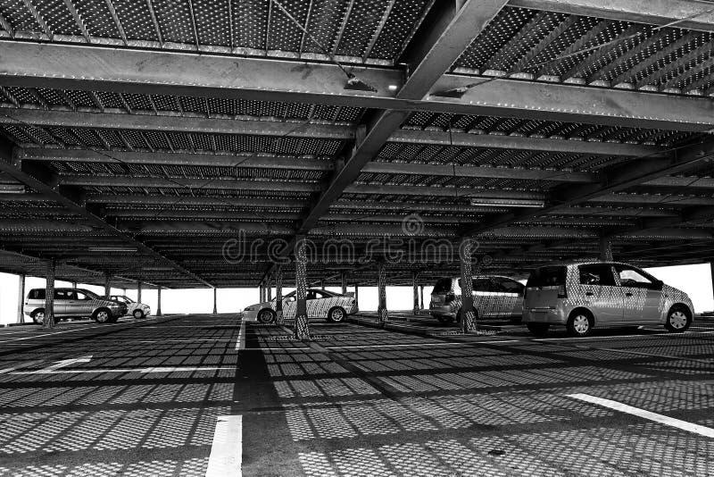 Modelos abstractos en garage de estacionamiento imágenes de archivo libres de regalías