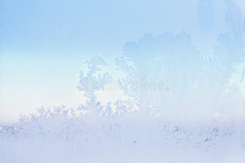 Modelos de Frost en la ventana Cierre para arriba Tiempo frío del invierno fotos de archivo libres de regalías