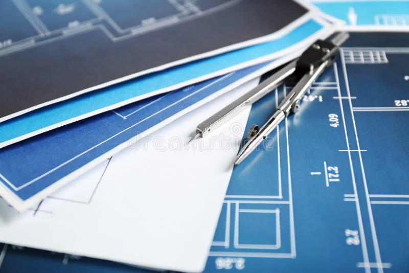Modelos de la ingeniería con el compás imagenes de archivo