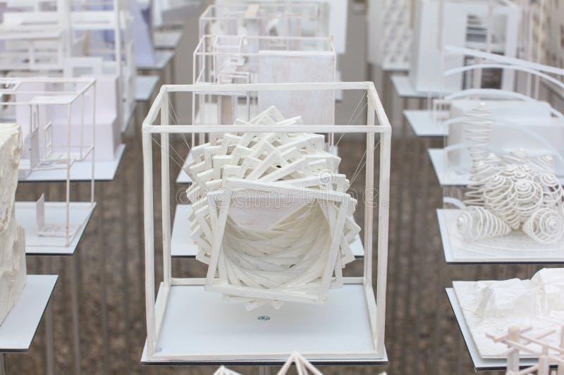 Download Modelos Do Estudante Da Arquitetura Foto Editorial - Imagem de veneza, pavilion: 26507826