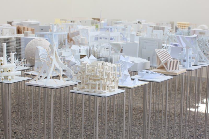 Download Modelos Do Estudante Da Arquitetura Imagem de Stock Editorial - Imagem de exhibition, branco: 26507994