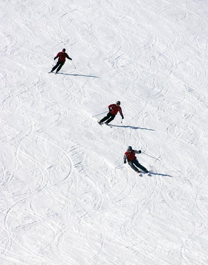 Modelos en declive del esquí imagen de archivo