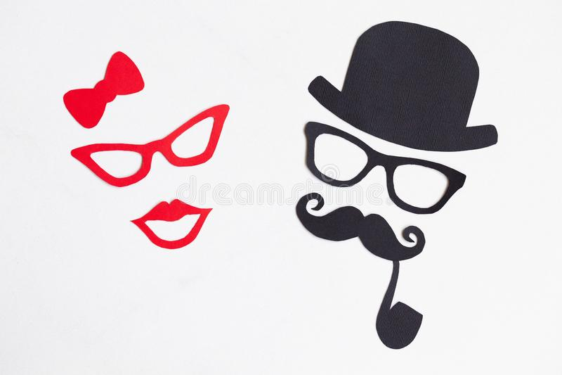 Modelos masculinos y femeninos de la silueta concepto del movember Par divertido foto de archivo