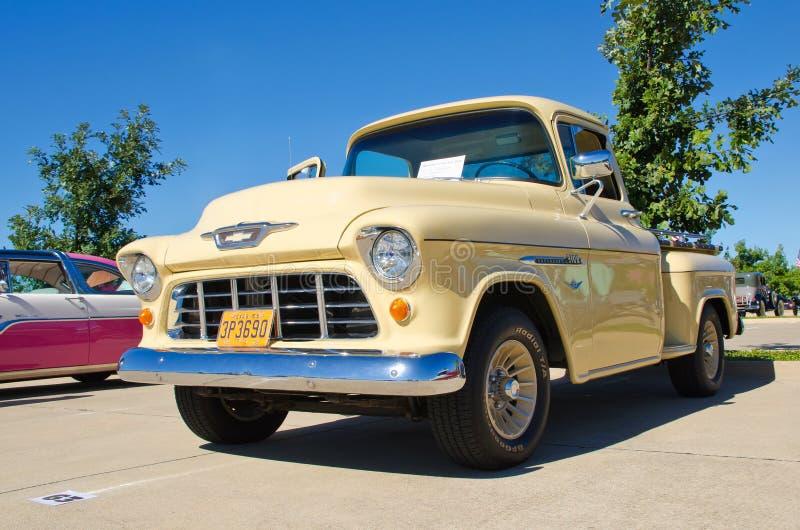 1955 Modelpick-up 3100 van Chevrolet royalty-vrije stock foto's