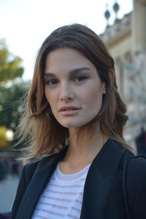 Modelportret in Parijs royalty-vrije stock foto's