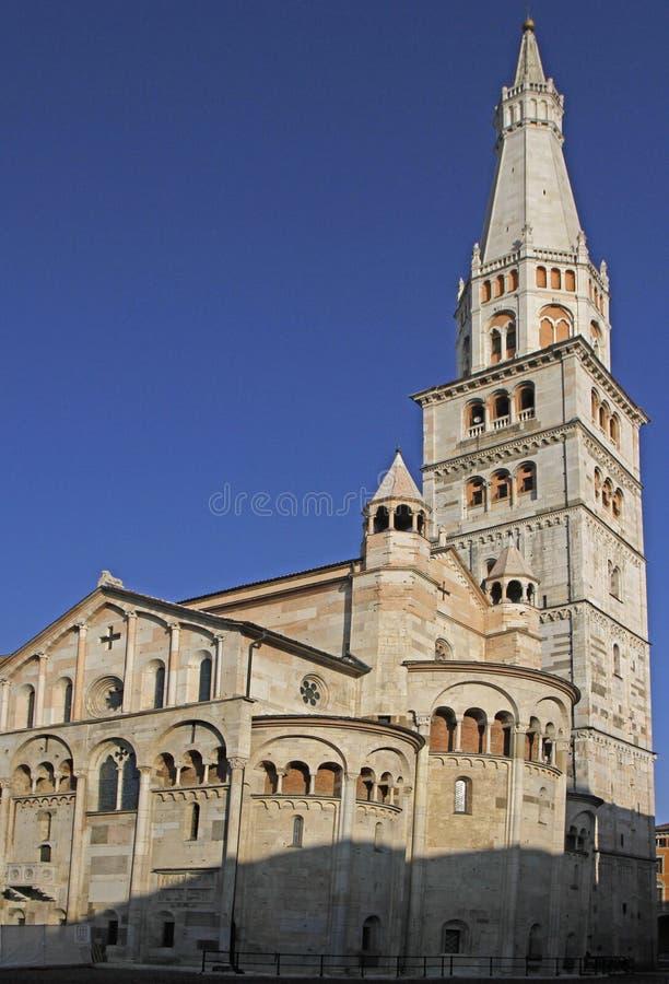 Modena domkyrka tilldelad till antagandet av oskulden Mary arkivbild