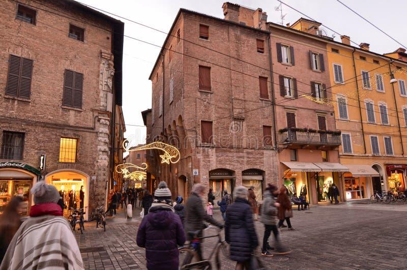 Modena, Emilia Romagna, Italien Die ausgezeichnete Fassade der Kathedrale lizenzfreie stockfotografie