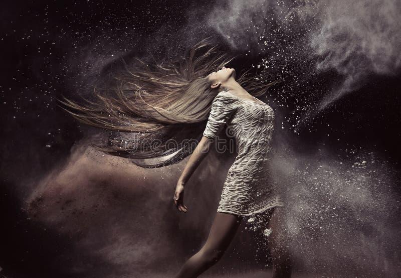Modeporträt des Balletttänzers stockfotos