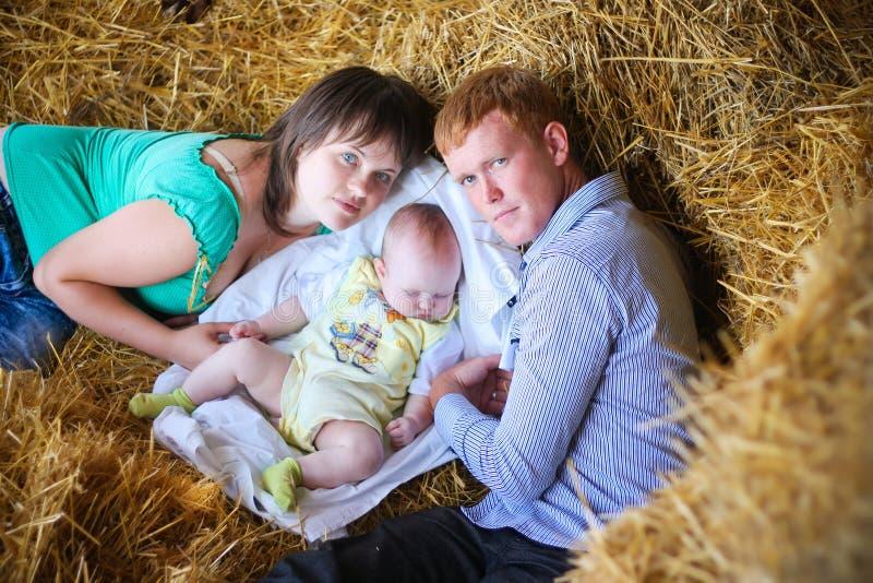 moder, fader och dotter royaltyfri fotografi