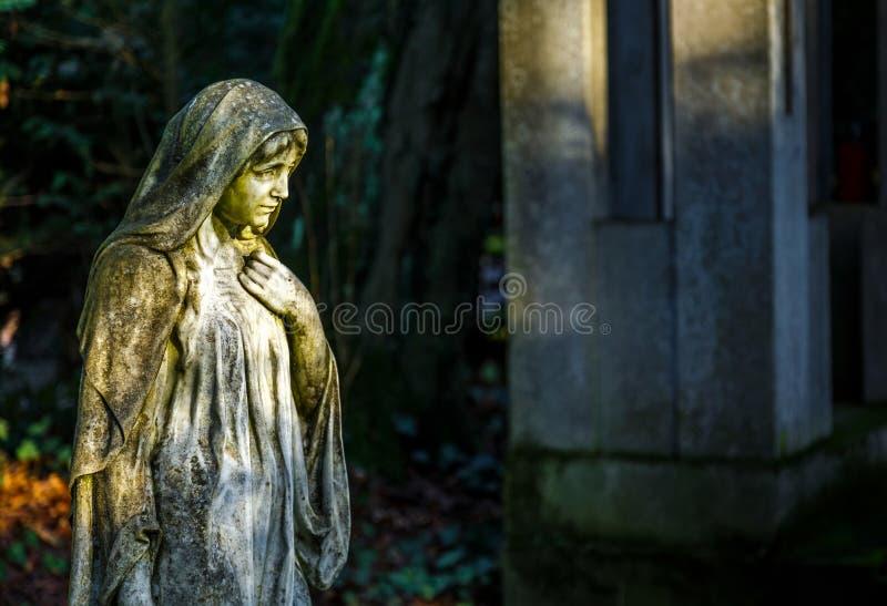 Moder Mary Christianity Religion i natur royaltyfria bilder
