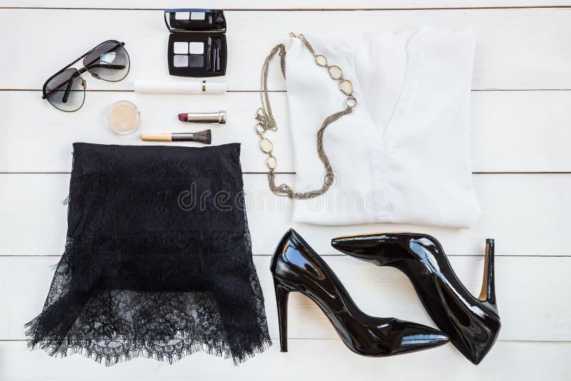 Moderiktig modetillbehör för kvinna royaltyfri foto