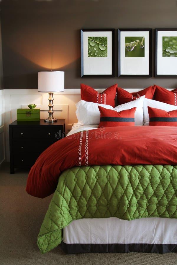 moderiktigt sovrum royaltyfria bilder