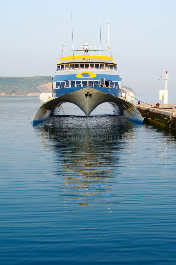 Free Modern And Fast Ferry Boat Royalty Free Stock Images - 3542429