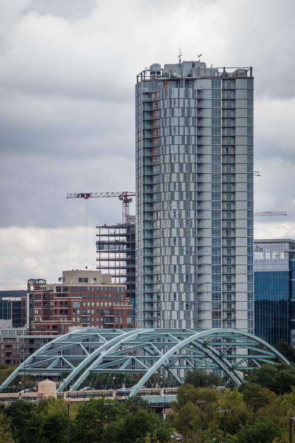 Modern Apartments With The Downtown Denver Skyline In The ...