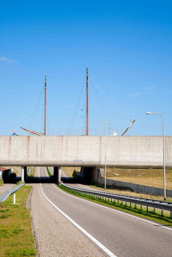 Download Modern Aqueduct Stock Image - Image: 26934681