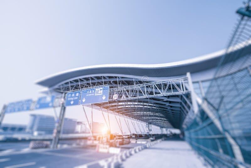 Modern arkitektur av den Shanghai flygplatsen, modern stad arkivbilder
