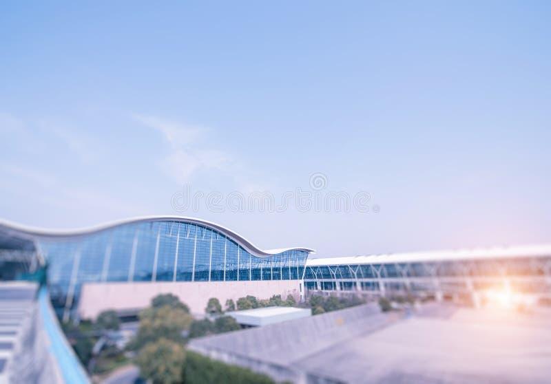 Modern arkitektur av den Shanghai flygplatsen, modern stad royaltyfri bild