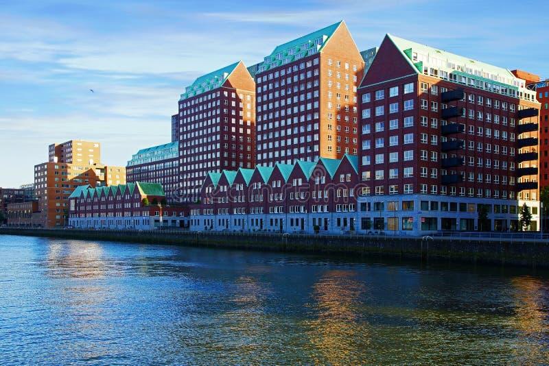 Modern arkitektur i Rotterdam, Nederländerna arkivfoton