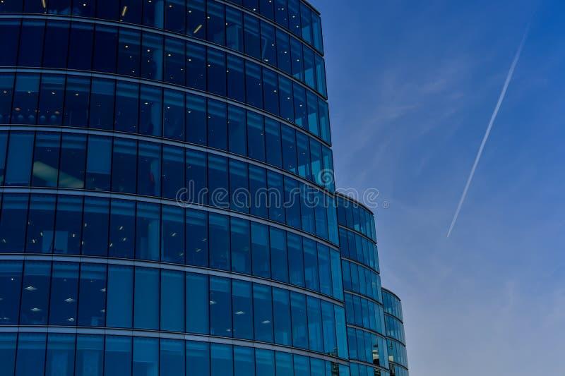 Download Modern Arkitektur, Kontorstorn Fotografering för Bildbyråer - Bild av briten, exponeringsglas: 37347369
