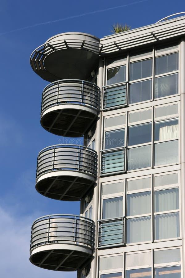 modern arkitekturbalkong arkivfoton