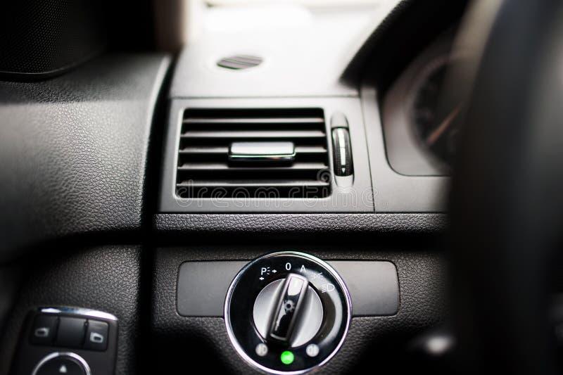 Modern autoairconditioning en ventilatiesysteem royalty-vrije stock afbeeldingen